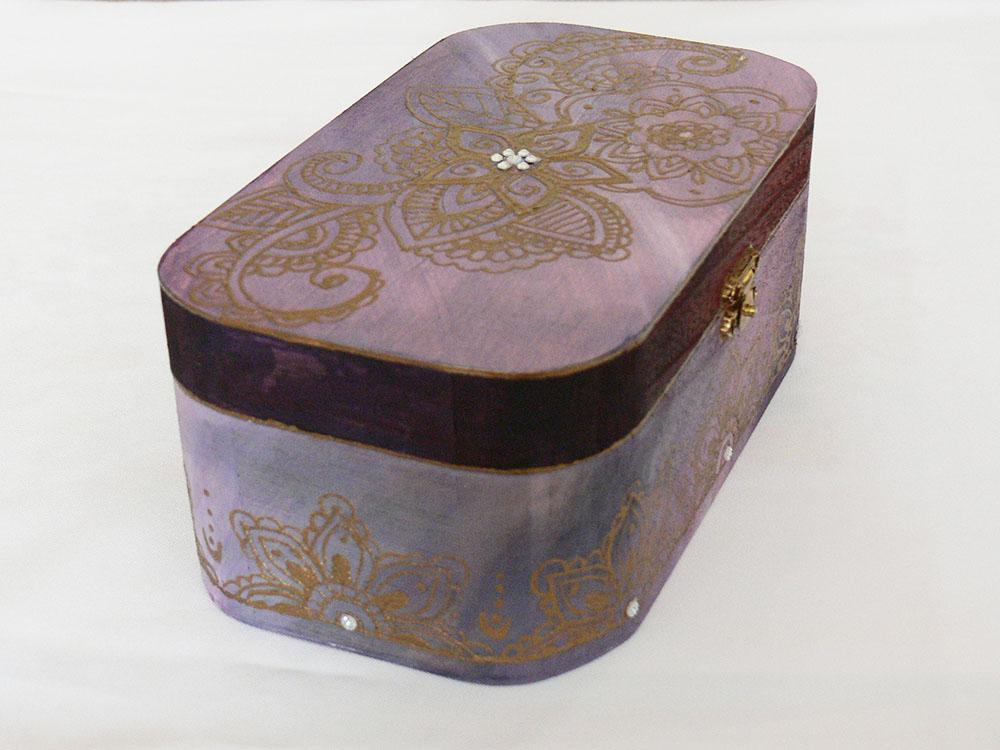 maľovaná drevená krabička